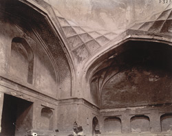 Interior of the Dressing Room of Hakim's Baths, Fatehpur Sikri 1003562